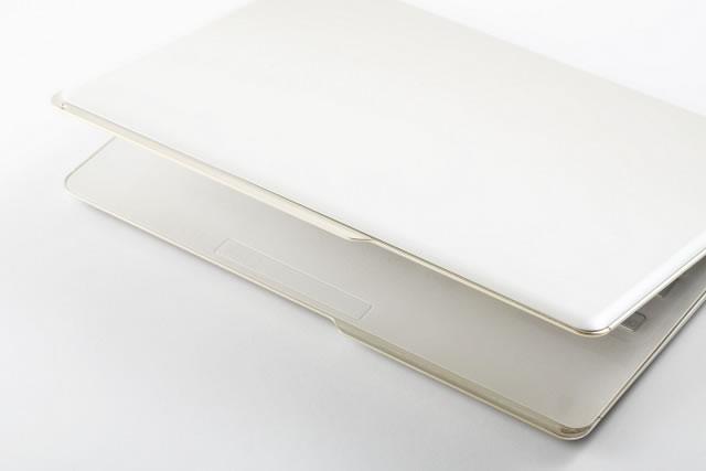 Fujitsu анонсировала серию компьютеров для женщин Floral Kiss и первый ультрабук в рамках этой серии