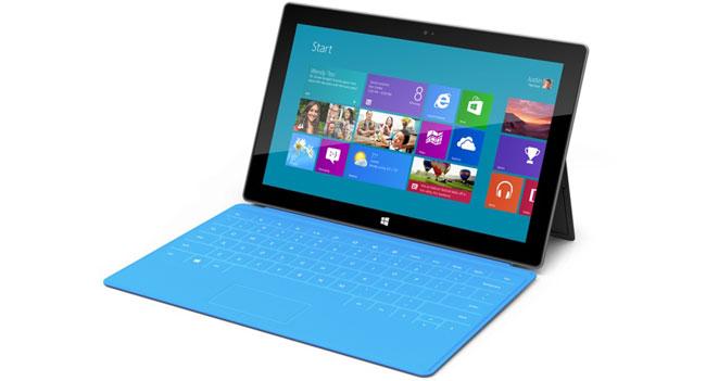 Microsoft сократила объем заказов планшетов Surface RT на половину