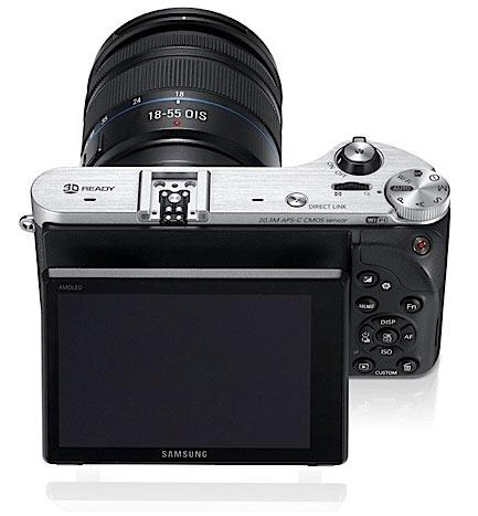 Samsung анонсировала беззеркальную камеру NX300 и 2D/3D объектив к ней