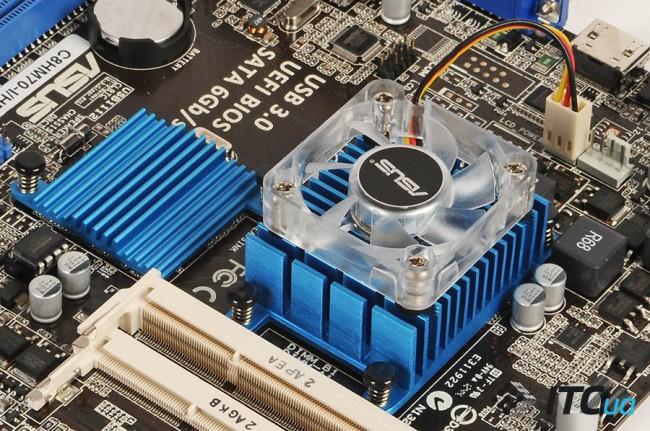ASUS_C8HM70-I_HDMI_10
