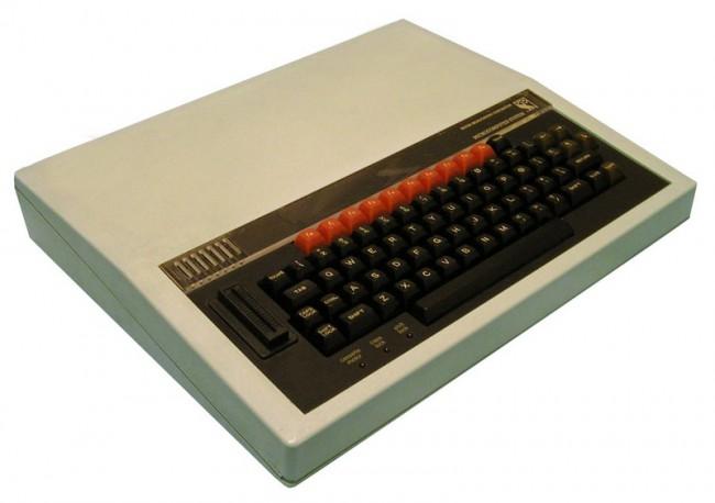 Первым в истории устройством на базе процессора архитектуры ARM был персональный компьютер BBC Micro