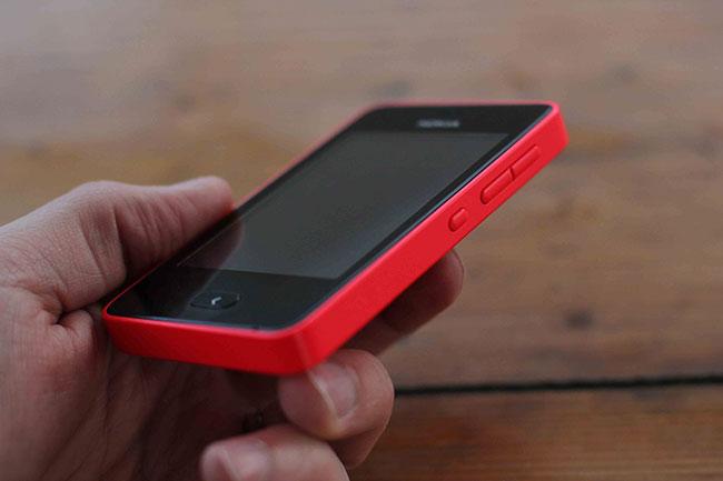 Nokia представила телефон Asha 501 и начала позиционировать Series 40 как платформу для смартфонов