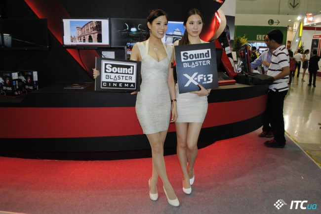 Computex_2013_Booth_Babes_3g