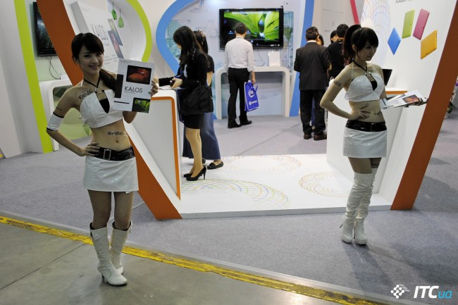 Computex_2013_Booth_Babes_5g