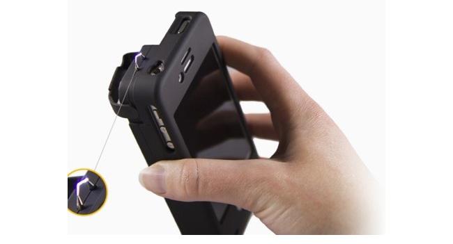 Чехол для iPhone оснастили электрошокером