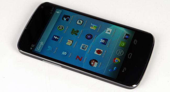 02-LG-Nexus-4