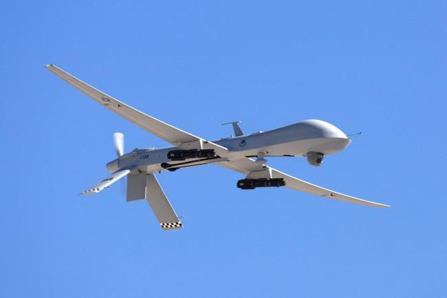 Ударный дрон MQ-1A Predator