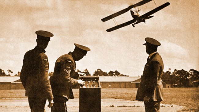 Беспилотный самолет Queen Bee (середина 1930-х)