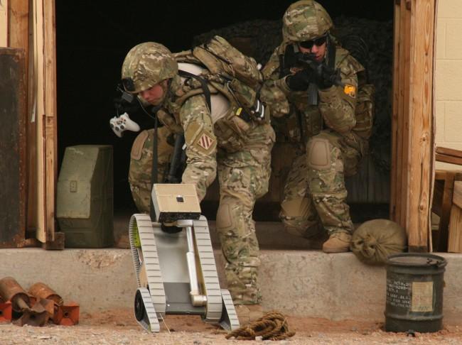 Во время испытаний робота-разведчика SUGV солдаты использовали, как это ни странно, геймпады Xbox 360