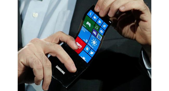Samsung и LG начнут поставки гибких панелей для мобильных устройств в ноябре этого года