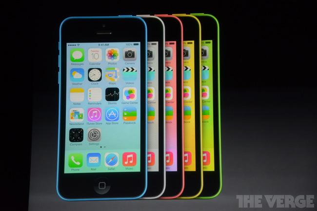 Apple представила iPhone 5C в пластиковом корпусе