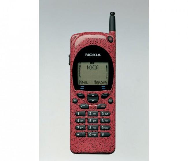 Модель Nokia 2100 (1994 год, не путать с одноименной моделью 2003 года)