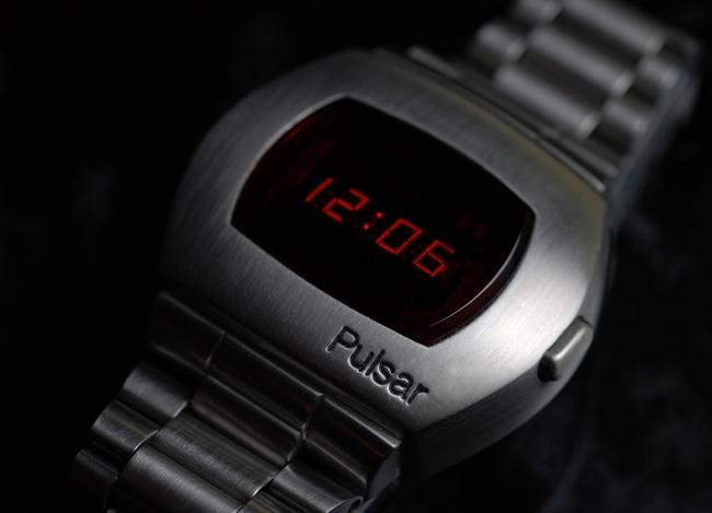 Pulsar P2 – часы Джемса Бонда из киноленты «Живи и дай умереть» (1973 год)