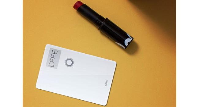 Coin - универсальное устройство для замены банковских и дисконтных карт пользователя