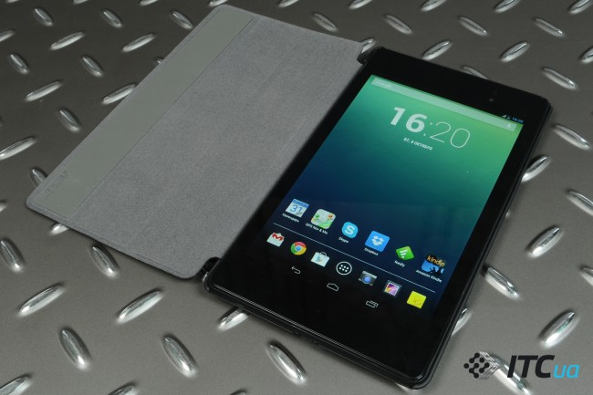 Nexus7-2013-InUse (18)