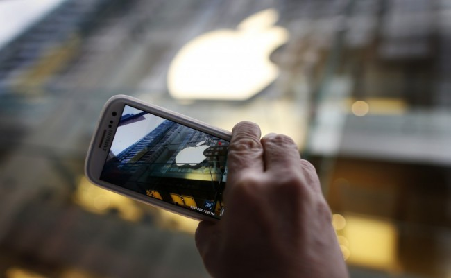 apple-samsung-1024x632