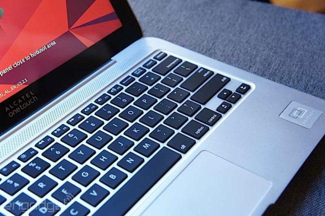 Alcatel показала смартбук, использующий вычислительные мощности смартфона