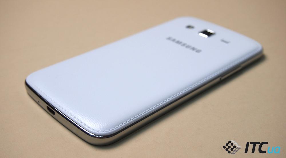 Чехол Samsung EF-PJ330CWEGRU для Samsung Galaxy J3 2017 Dual Layer Cover белый
