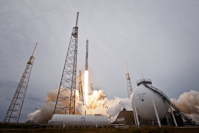 CRS-3 FALCON 9 LIFTOFF (1)