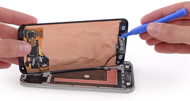 В iFixit разобрали смартфон Samsung Galaxy S5