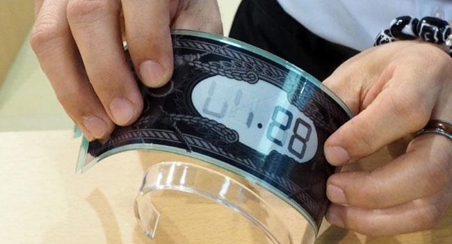 E Ink показала гибкие дисплеи для «опоясывающих» умных часов