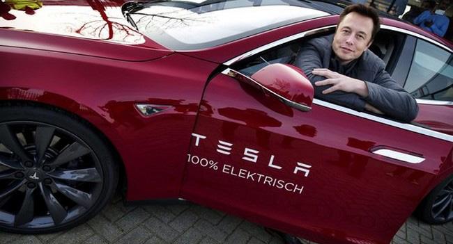 Элон Маск: Мы можем создать летающий или плавающий под водой автомобиль