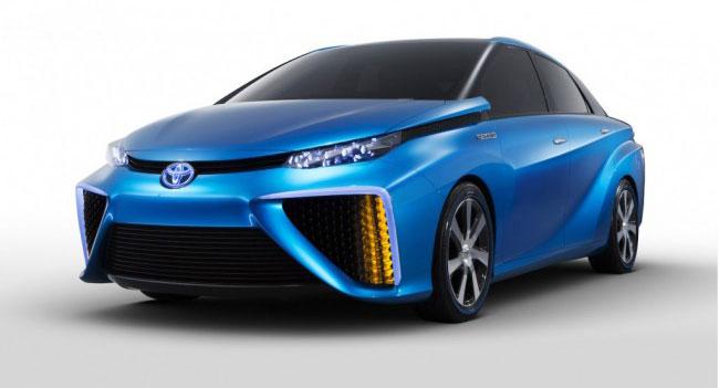 Toyota выпустит автомобиль на топливных элементах до конца года