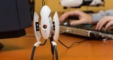 Миниатюрная реплика турели Portal 2 – защитник рабочего стола