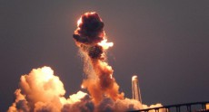 Ракета-носитель Antares с грузом для МКС взорвалась сразу после старта