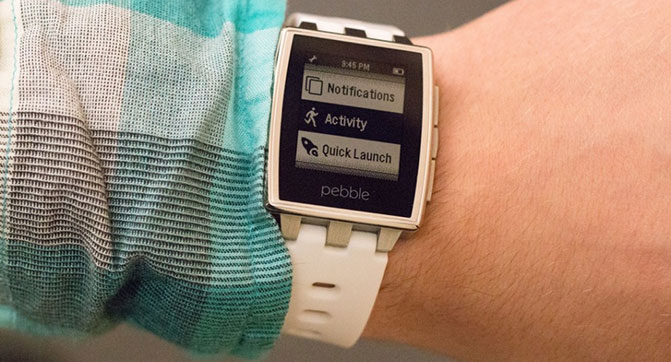 Pebble снизила цены на свои часы и выпустила новую прошивку для них