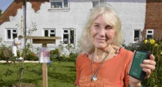72-летняя жительница Великобритании потратила £4,000 на защиту дома от Wi-Fi излучения