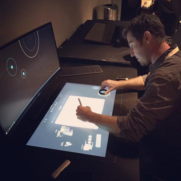 Dell создала компьютер с дополнительным горизонтальным сенсорным дисплеем