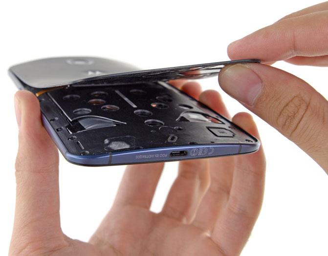 Специалисты iFixit разобрали смартфон Nexus 6 и оценили его ремонтопригодность
