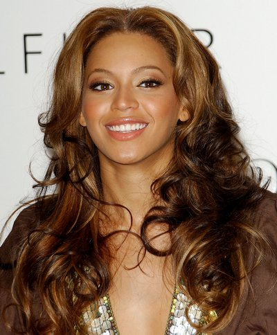 Beyonce Knowles debuts her True Star Gold Fragrance - Lakewood, California