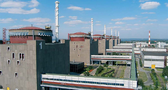 Яценюк заявил об инциденте на Запорожской АЭС