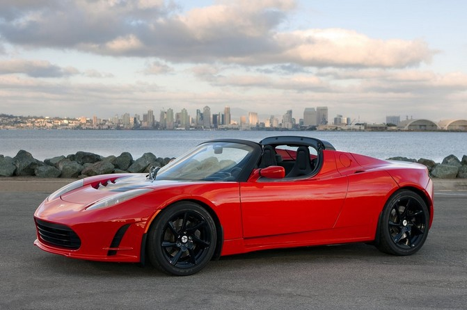 tesla_roadster_2011_wallpaper_01