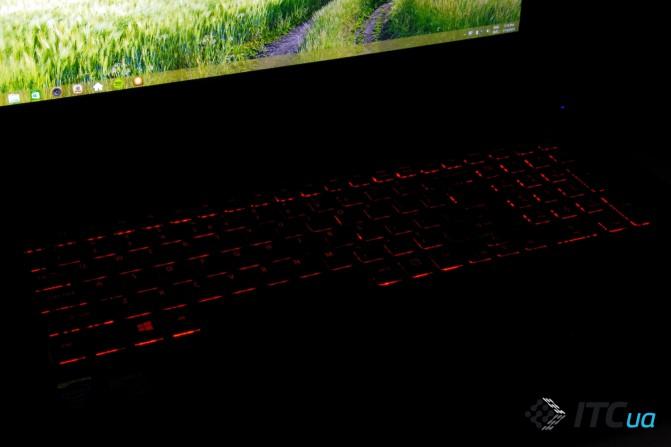 Acer Aspire V17 Nitro (6)