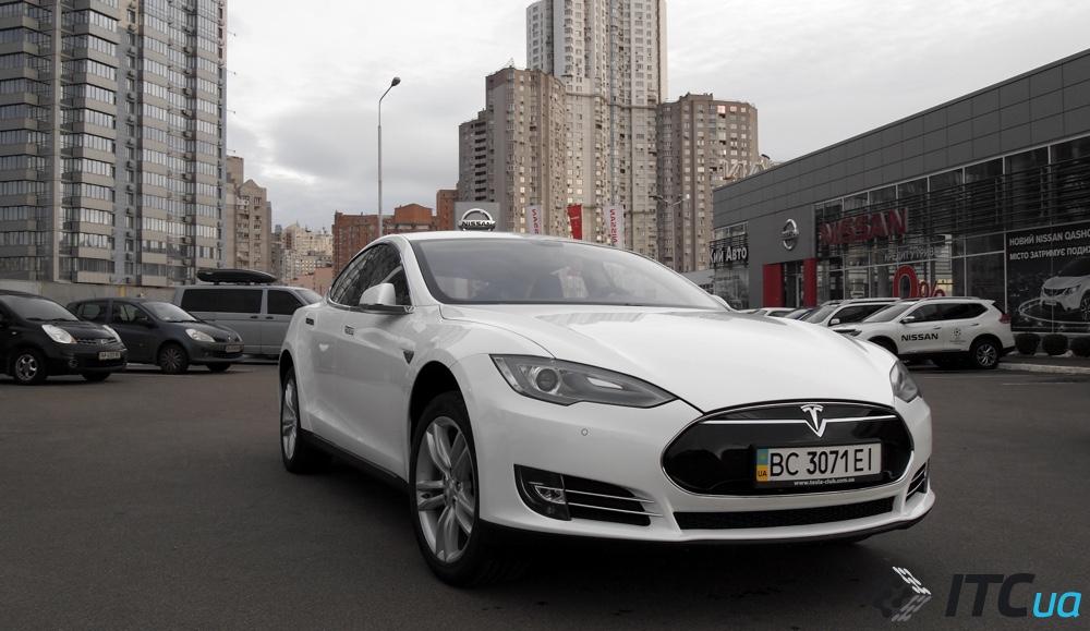 сколько стоит автомобиль тесла в украине