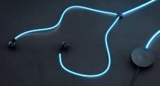 Glow – первые в мире наушники с «лазерной» подсветкой, пульсирующей в ритм музыки или сердца