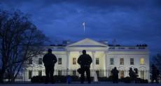 На территории Белого дома разбился неизвестный квадрокоптер, вызвав панику охраны