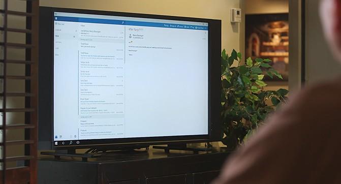 Функция Continuum в Windows 10 позволит трансформировать смартфон в настольный компьютер