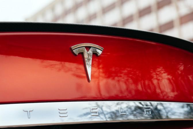 Tesla-800x534