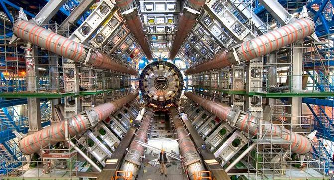 Большой андронный коллайдер возобновил работу после длительного перерыва