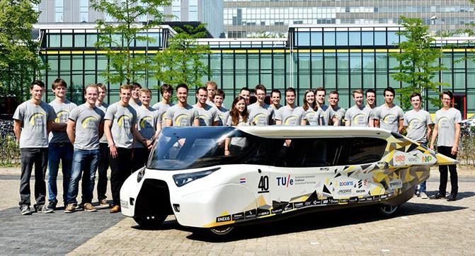 Студенты создали электромобиль Stella Lux, работающий исключительно на солнечной энергии