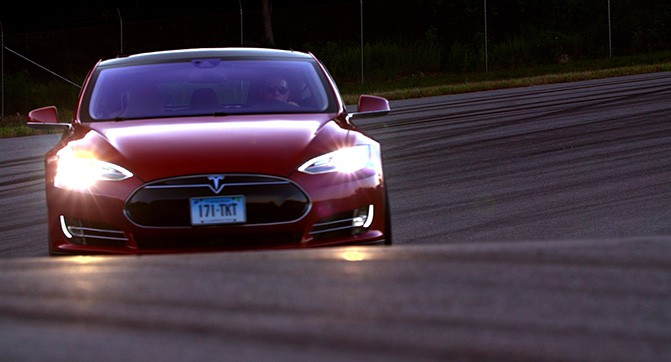 Электромобиль Tesla Model S P85D «сломал» систему рейтинга Consumer Reports