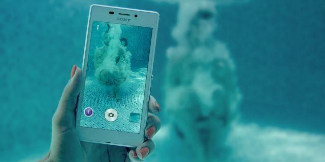 Sony больше не рекомендует использовать свои водонепроницаемые смартфоны под водой