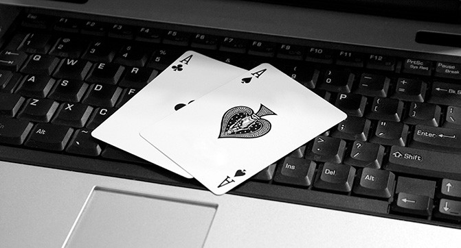 Злоумышленики научились жульничать при игре в онлайн покер