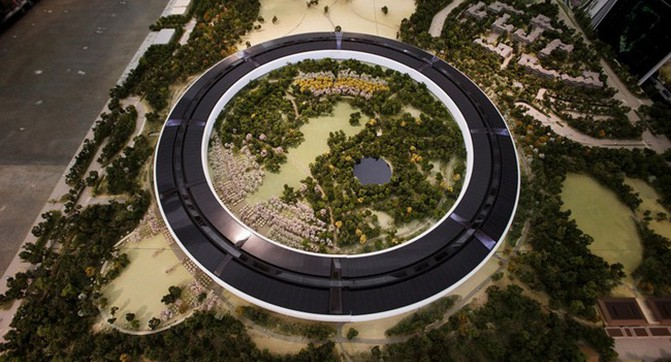 Хід будівництва нового кампуса Apple зняли за допомогою дрона
