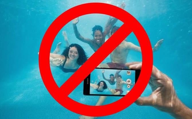 Sony не рекомендует использовать свои водонепроницаемые смартфоны под водой