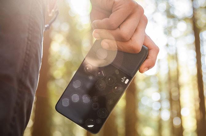 Камера Light L16 с 16 отдельными модулями позволяет менять фокусировку уже после съёмки
